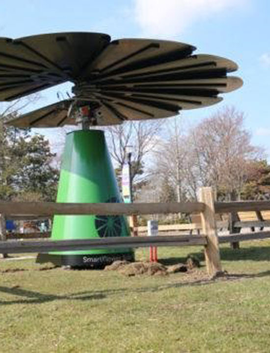 The SmartFlower Is All Set to Generate Power at the Detroit Zoo